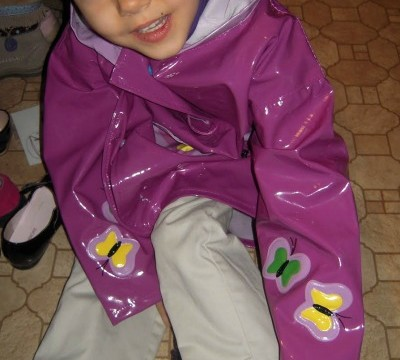 Kidorable: Matching Children Raincoats Umbrellas And Boots