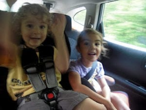10 Useful Safety Tips When Traveling with Children