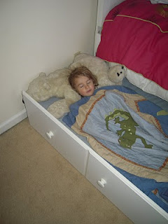 help child sleep alone