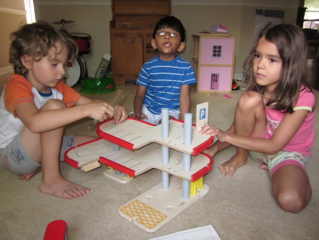 Plan Toys Garage : Plan toys review of wooden parking garage & doll house nursery