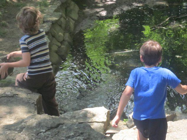 Three Family-Friendly Outdoor Games to Enjoy