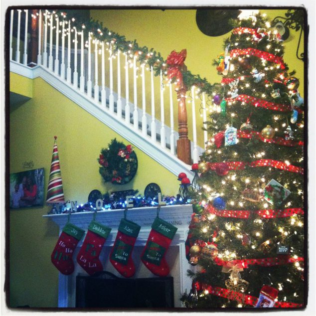 make your home festive for Christmas by decorating the stairs