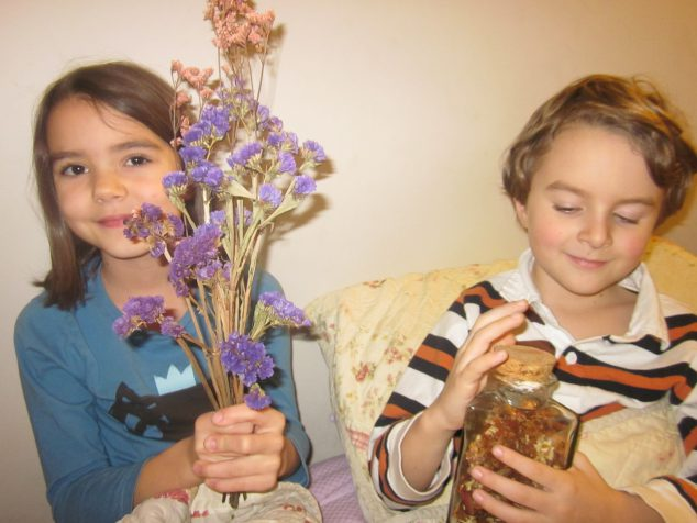 A Family Crafting Activity with Flowers