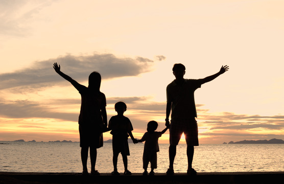 Image Gallery happy family silhouette