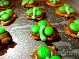 Three Leaf Clovers Chocolate Pretzels Recipe