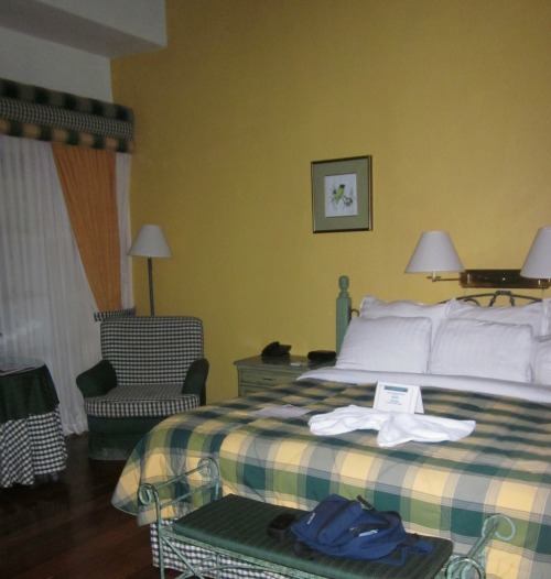 hotel turire large room with king bed