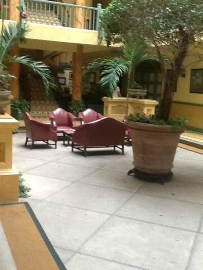 hotel turire lobby