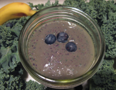 kale and blueberry kefir smoothie