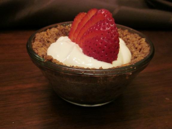 Strawberry Greek Yogurt Icebox Individual Pie / Family Focus Blog