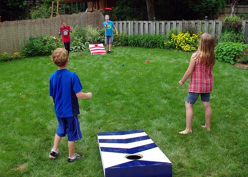 how to make a cornhole game / Famliy Focus Blog