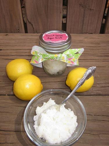DIY green teacher gift Coconut-Lemon-Sugar-Scrub