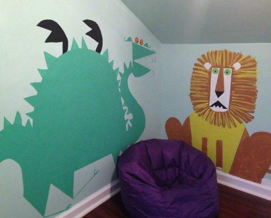 animal murals kids room