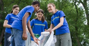 5 Reasons to Encourage Volunteering In Your Family
