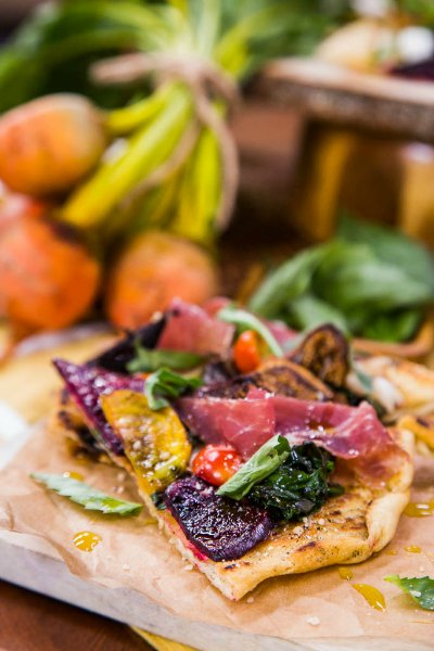 Grilled Goat Cheese Pizza with Figs, Beets, and Arugula ...
