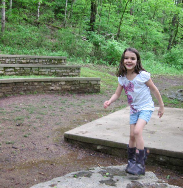 Fun Summer Activities Kids- nature scavenger hunt