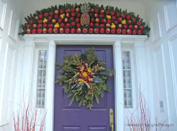 How To Decorate Your Doors For The Holiday Season