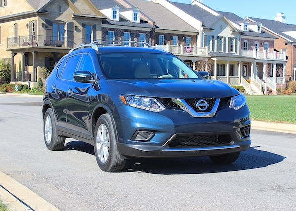 review of the redesigned 2015 nissan rogue family focus blog. Black Bedroom Furniture Sets. Home Design Ideas
