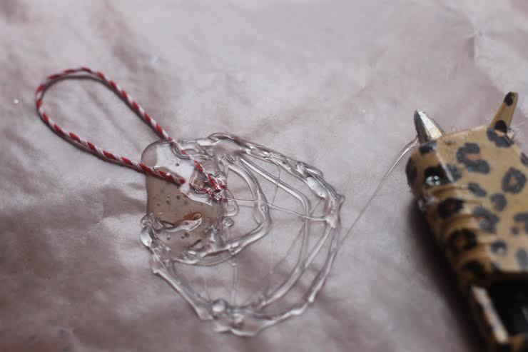 ornament hanger