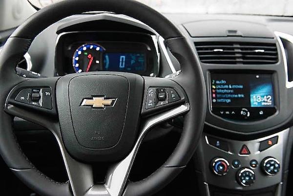 Chevrolet-Trax-2013-interior