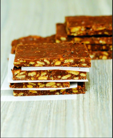 Paleo workout bar recipe- best paleo snacks