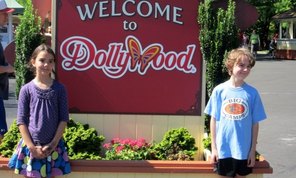 Dollywood Theme Park- Our Family Trip and Dollywood Tips
