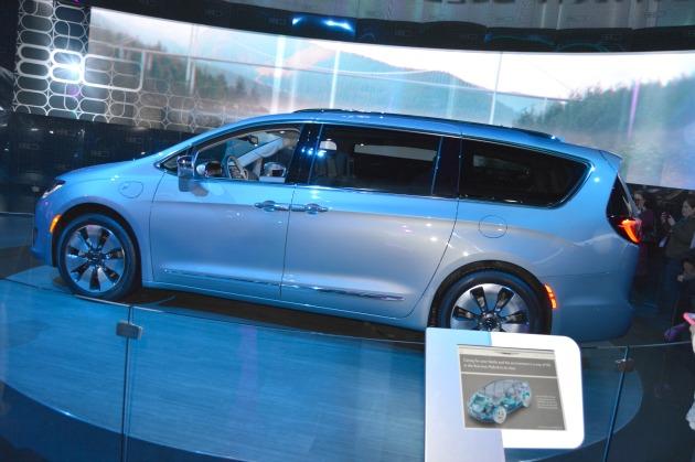 Chrysler Pacifica American Hybrid Minivan