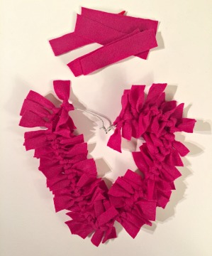how to make a heart felt wreath