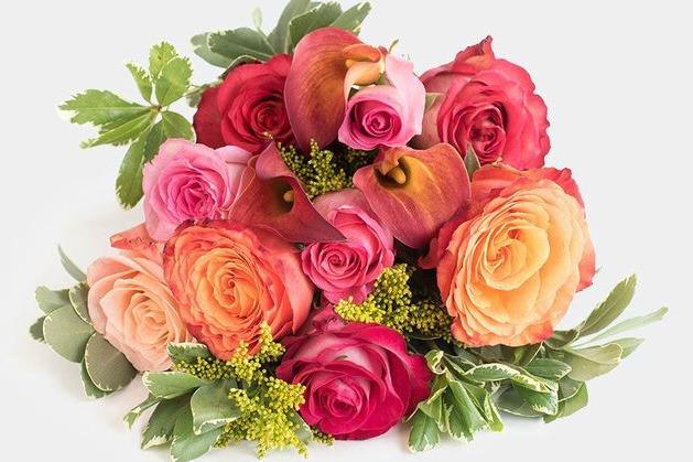 UrbanStems floral arrangement