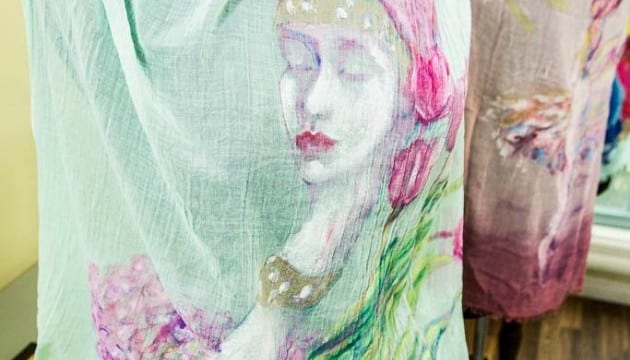 DIY Fashion Accessories: How To Make A Hand Painted Scarf