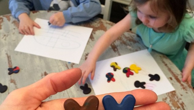 Easter Rabbit Craft: Make Crayons Out Of Old Crayons