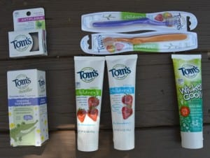 Best Natural Toothpaste For Adults, Children, and Toddlers