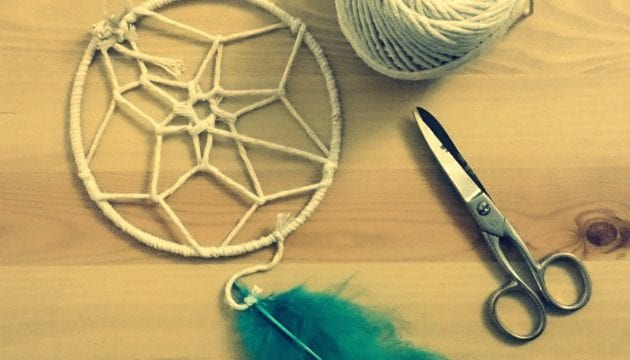 How To Make A Dream Catcher In 3 Simple Steps