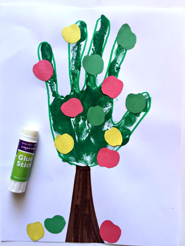 handprint-tree5