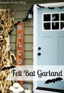 DIY Halloween Garland With Adorable Felt Bats
