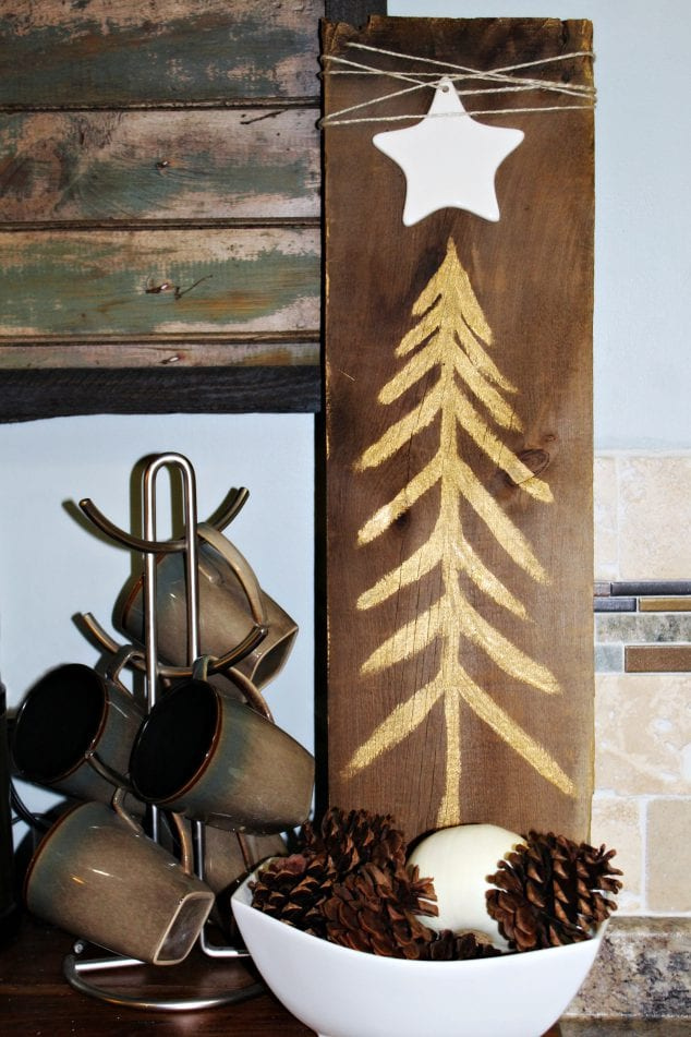 DIY Rustic Decor For Christmas – Make Your Own Sign