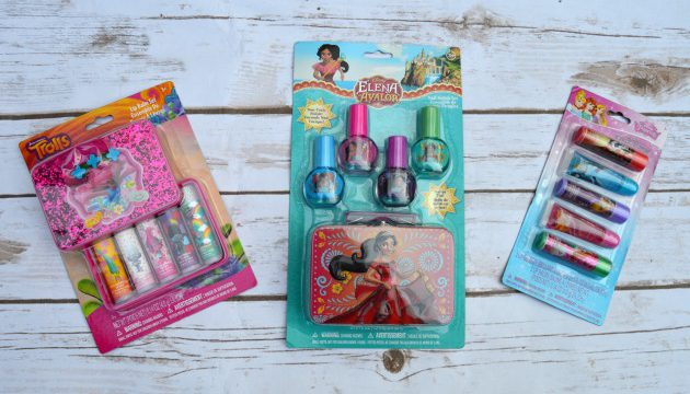 Little Girls Makeup Kits From Townleygirl (Review & Giveaway)