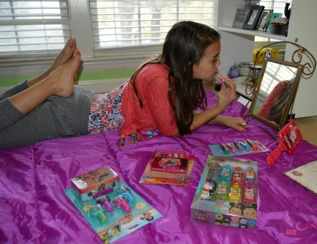 play makeup little girls