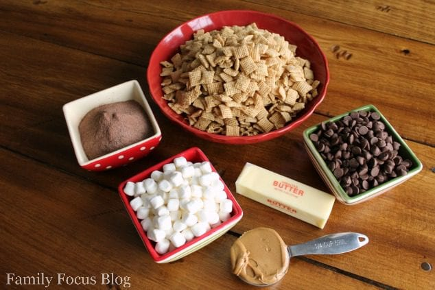 Gluten Free Hot Cocoa Muddy Buddies Recipe
