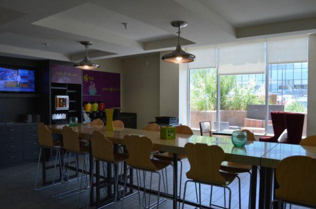 free hotel breakfast area