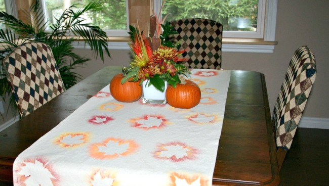 Painted Leaf Table Runner Craft