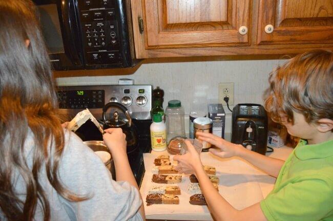 biscotti decorating