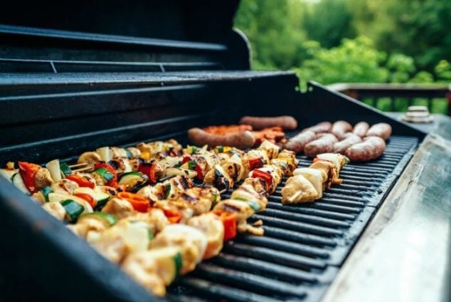 summer outdoor party ideas- cookout